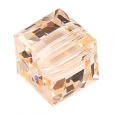 5601 kocka gyöngy 6 mm: silk
