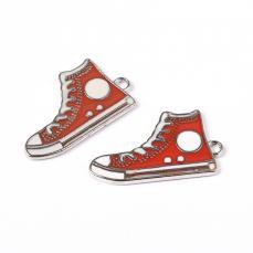 piros tornacipő medál