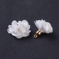 selyem virág medál fehér