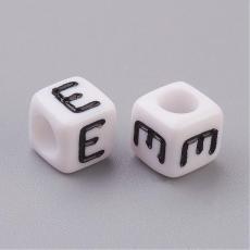 akril betű gyöngy fehér-fekete E