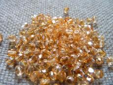 csiszolt gyöngy 4 mm apricot 50 db