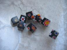 millefiori 6 x 6 mm kocka fekete-piros-sárga 10 db