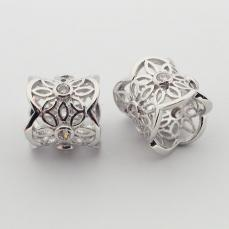 cirkonia platinum színű filigrán cső alakú virágos köztes 1 db