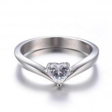 rozsdamentes acél cirkonia köves gyűrű szív alakú kővel 9-es méret