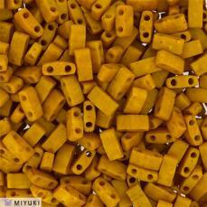 miyuki half tila matt opaque mustard kb. 2,5 g