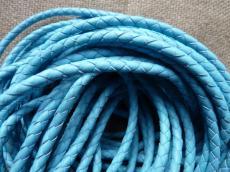 4 mm fonott bőrszál kék 1 cm