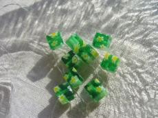 millefiori 6 x 6 mm kocka zöld-sárga 10 db