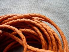 4 mm fonott bőrszál narancs 1 cm