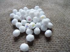 csiszolt gyöngy 6 mm: fehér AB 25 db másodosztályú