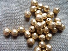 csiszolt gyöngy 6 mm matt metál arany 25 db