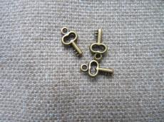 antik réz akril kulcs fityegő 3 db/u