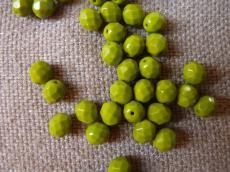 csiszolt gyöngy 8 mm telt olivin 20 db