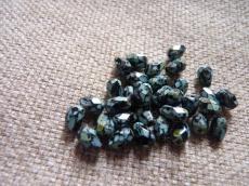 csepp alakú csiszolt gyöngy: fekete-travertin 10 db