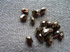 csepp alakú csiszolt gyöngy: gold bronz 10 db