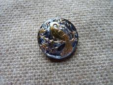 Cseh üveggomb pávás montana-arany 22 mm
