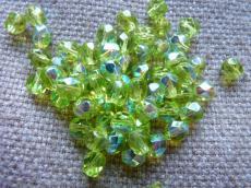 csiszolt gyöngy 6 mm: világos olivin AB 25 db