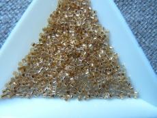 DB033 24K arany közepű kristály 2 gr