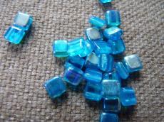 Dupla lyukú préselt négyzet aqua AB 20 db