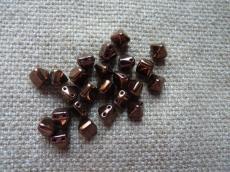 dupla lyukú kicsi préselt pyramid bronz 10 db