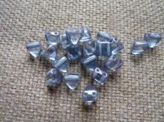 dupla lyukú kicsi préselt pyramid kék lüszteres 10 db