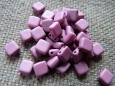 Dupla lyukú préselt négyzet matt antik pink 20 db