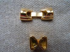 kapcsoló félkör alakú bőr karkötő alaphoz arany
