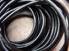 fekete gömbölyített bőrszál 5 mm