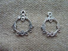 antik ezüst színű kerek alap
