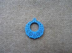 famedál: kék filigrán virágos kerek