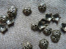 gyöngykupak: antik réz színű ötszög 10 db