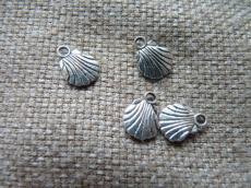 antik ezüst kagyló fityegő 7 db/u