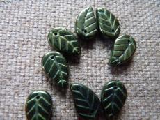 levél gyöngy metál olivin 10 db
