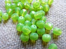 csiszolt gyöngy 6 mm opál almazöld 25 db
