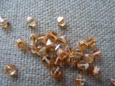 piramid gyöngy apricot 20 db