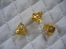 gyöngykupak: harang alakú filigrán arany színű 10 db