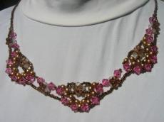 Barna-rózsaszín legyezős nyakék