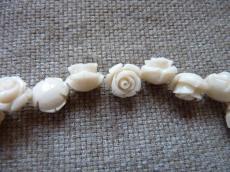 műgyanta rózsa ekrü 12 mm