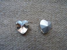 szivecske kabochon kristály