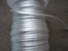 2 mm törtfehér selyemzsinór 1 m