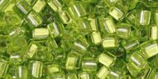 Toho triangle 8/0 ezüst közepű lime zöld 10 gr
