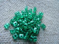 Bi-bo gyöngy: áttetsző emerald 10 g