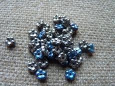 Nefelejcs: metál nikkel-kék 30 db