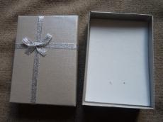 ajándékdoboz: tejeskávé-ezüst