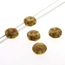 honeycomb gyöngy: telt fehér travertin 30 db