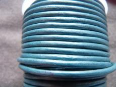 3 mm bőrszál metál világos zöldeskék 5 cm