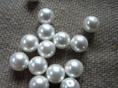 10 mm kerek gyöngy gyöngyház fehér 5 db