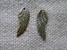 antik réz fityegő vagy medál szárny