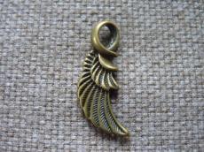antik réz fityegő vagy medál szárny/3na