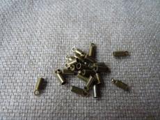 bőr végzáró 2 mm 4 db antik sárgaréz