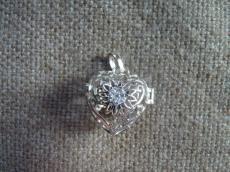 angyalhívó medál 925 cirkonia, szív alakú
